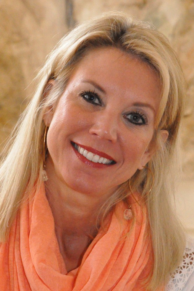 meet laurie singles Laurie f berzack, msw owner, carolinas matchmaker  she trademarked the term philanthrodating™ and set out to help singles meet like-minded do-gooders through events where people can.