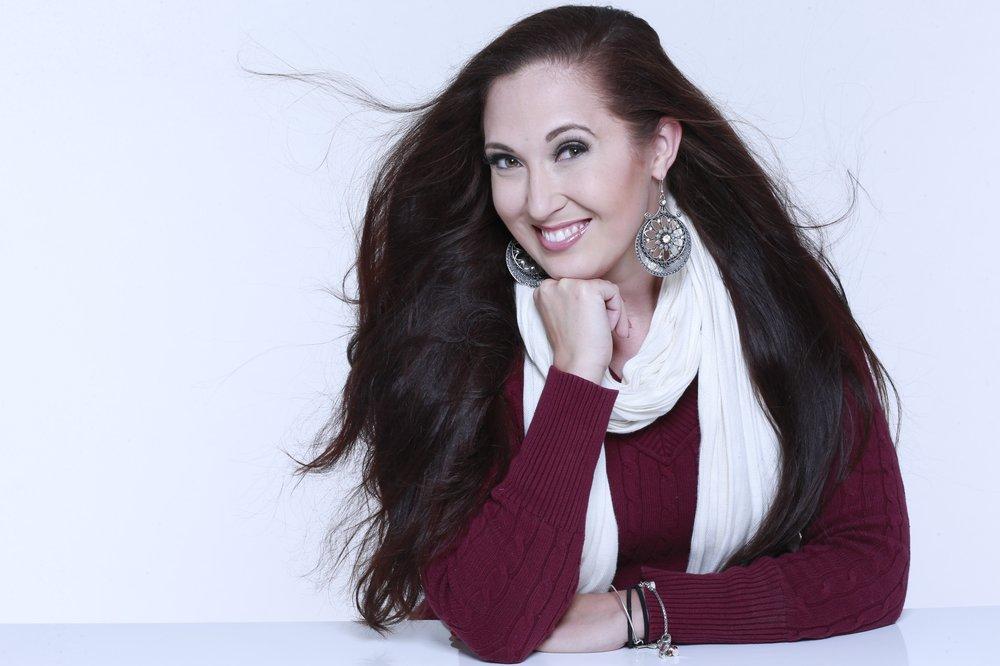 Kara winslow makeup artist 105 photos makeup artists for Country living magazine phone number