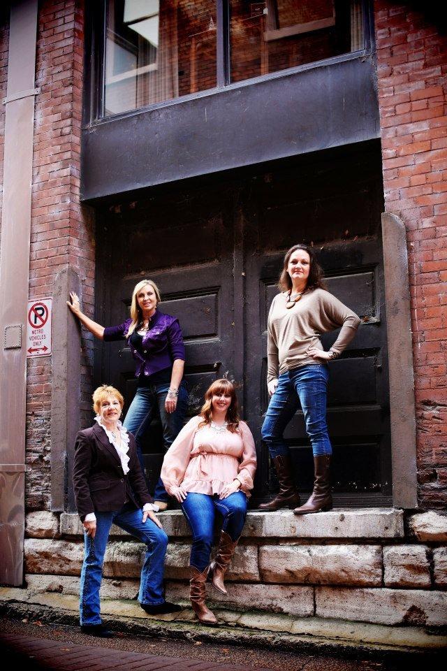 Nashville interior design group 13 photos interior design 1042 avondale rd hendersonville for Interior design hendersonville tn