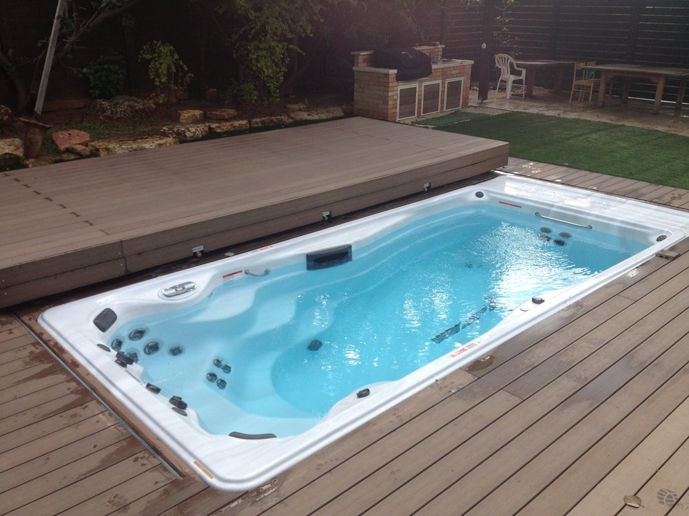 Master pool spa hot tub pool 6415 wayzata blvd for Swimming spa