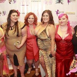 Red Carpet With Xratedwife Bella Bendz Jezebel Jolie Kacey Parker Camgirlkitten