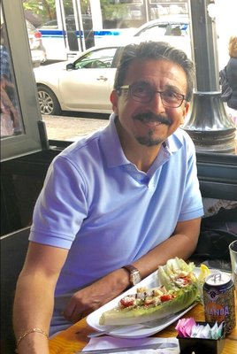 Mauricio B.