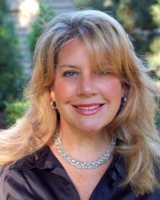 Chrissie M.