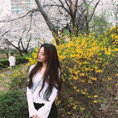 Hyuna L.