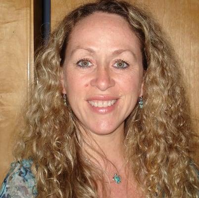 Joelle G.